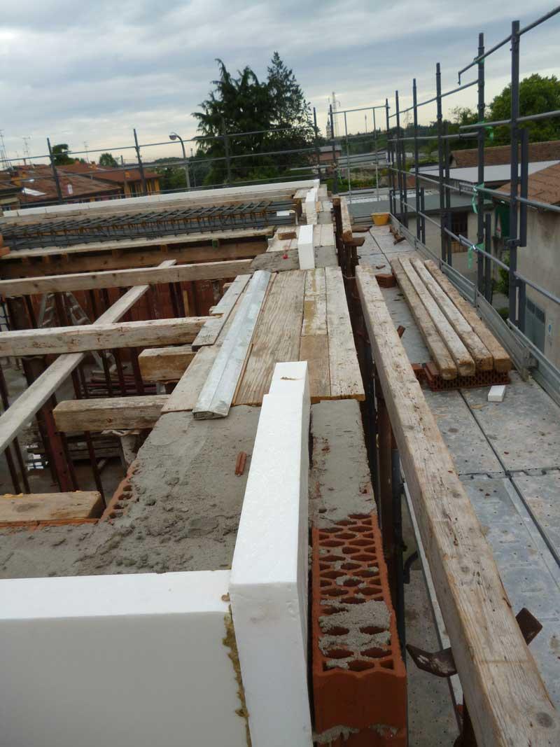 Demolizione e ricostruzione di un edificio con ampliamento ...